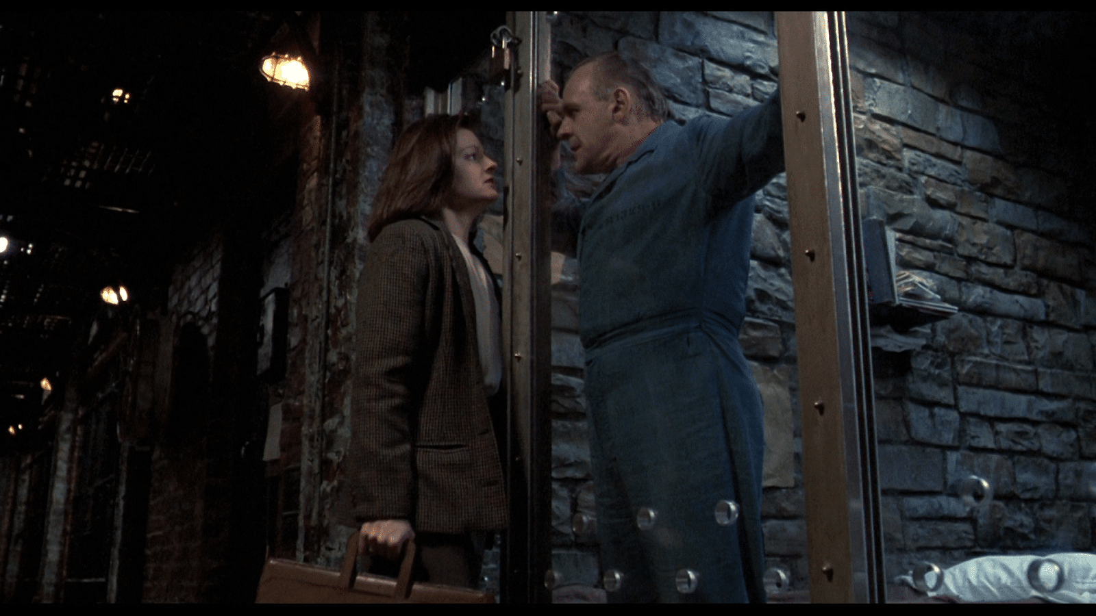 screenwriting electricity in The Silence of the Lambs